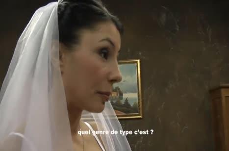 Невеста с большими сиськами шпилится прямо перед свадьбой