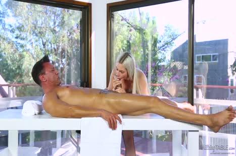 Ники Сноу в сексуальном белье знает как возбудить пациента №3