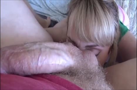 Беловолосая Maxim Law крупным планом снимает с чуваком порнушку №2