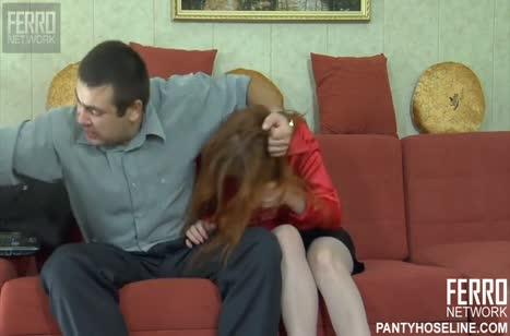 Бойкий муж доводит зрелую рыженькую жену до стонов