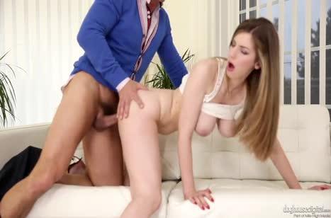 Сексуальная Стелла Кокс не против порно романа на работе №6