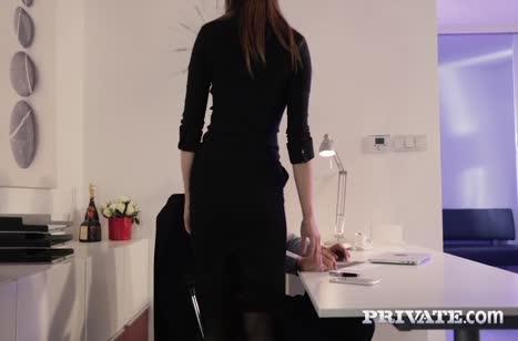 Грудастая коллега Барбара Бибер соблазнилась на секс №2