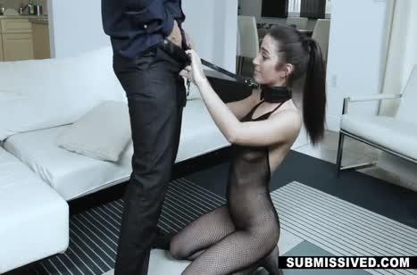 Красотка Жасмин Вега одела секс костюм и напросилась на БДСМ №4