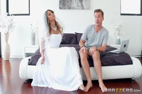 Красивая невеста напоследок решила потрахаться перед свадьбой