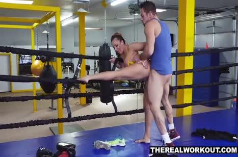 Зрелую спортсменку Райчел Райан отымели после тренировки №6